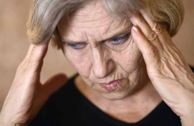 Длительные месячные при климаксе: что делать, причины состояния