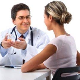 Кровянистые выделения: причины, отличия и лечение