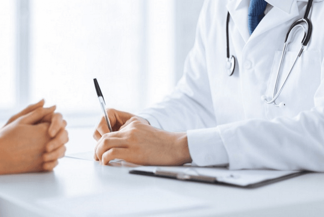 Кровотечение при месячных: причины, последствия, лечение