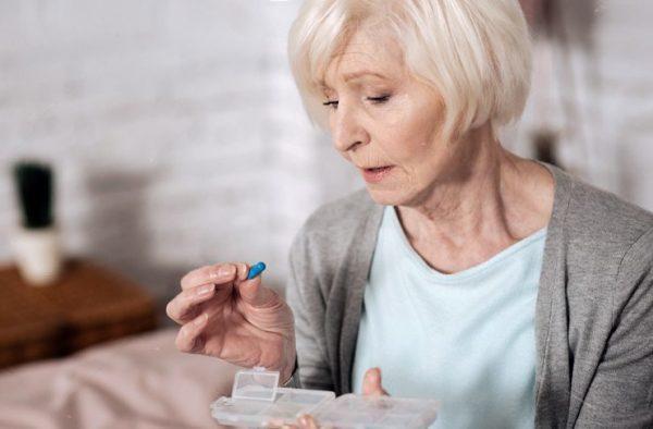 Тошнота при климаксе: препараты и способы борьбы