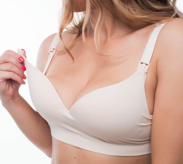 Болит одна грудь перед месячными: патология или физиология