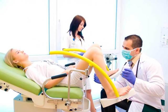 Можно ли идти к гинекологу с месячными: плановые и срочные визиты