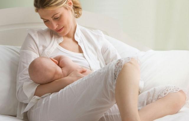 Месячные во время кормления: почему прекращается менструация