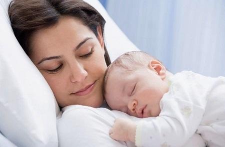 Сколько идут лохии после родов: характер и количество