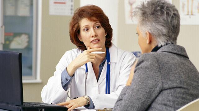 Головные боли при климаксе: их причины и лечение