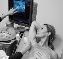 Сильно болит грудь перед месячными: норма или патология