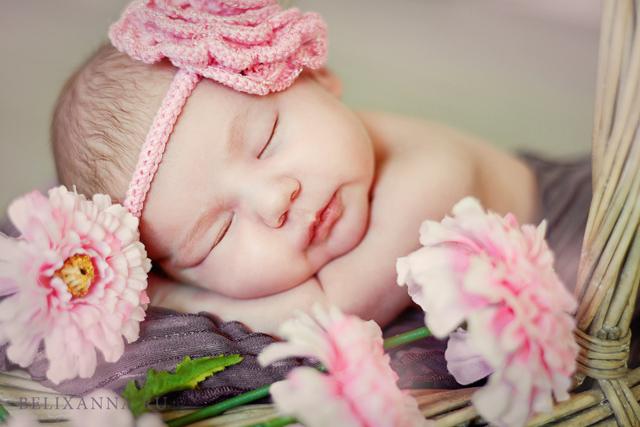 Как зачать девочку: особенности научных и народных методов