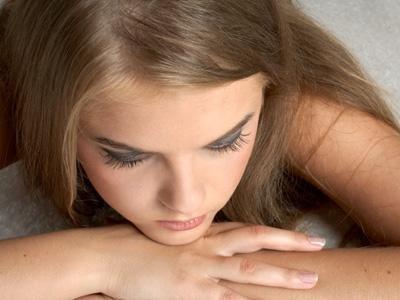 Скудные месячные после задержки: возможные причины, симптомы