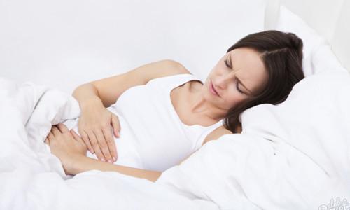 Частое мочеиспускание и задержка месячных: причины состояния