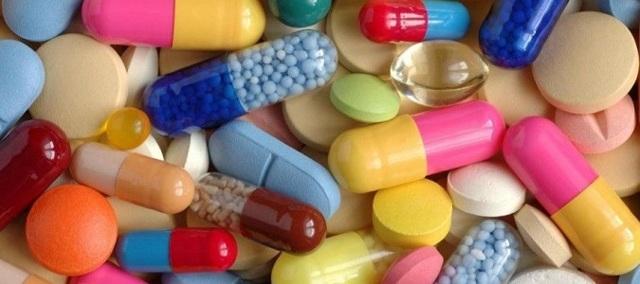Почему при месячных болит поясница: причины и лечение